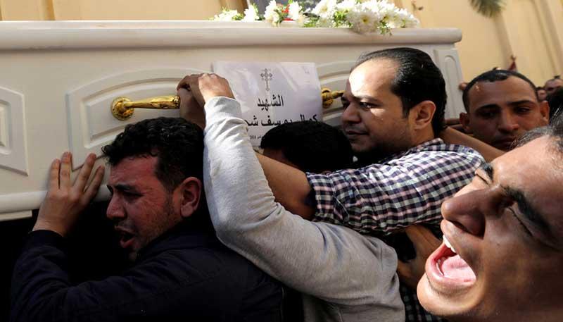 """""""Com nosso sangue defenderemos a cruz"""", clamam cristãos após novo ataque no Egito"""