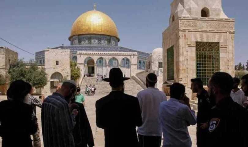 """Palestina acusa judeus de incitarem """"guerra religiosa"""" com visitas ao Monte do Templo"""
