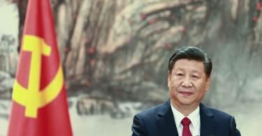 Conselheiro de Trump condena perseguição religiosa em carta ao presidente da China