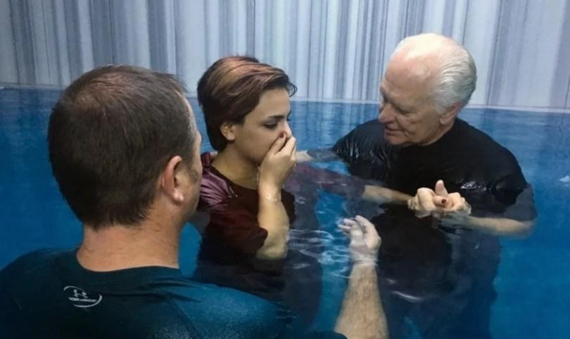 Milhares de iranianos estão se convertendo ao cristianismo na Turquia