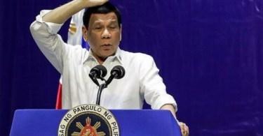 """""""A maioria deles é gay"""": Rodrigo Duterte pede à Igreja Católica que permita que seus padres """"inúteis"""" tenham namorados"""