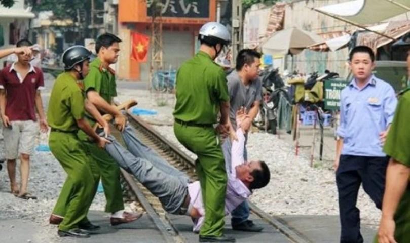 Vietnã prende 33 cristãos por não se curvarem a Buda