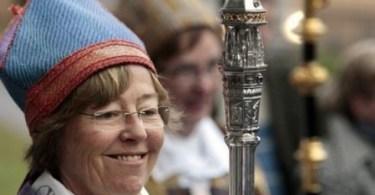 """Bispa luterana lésbica sueca tem """"mais em comum com muçulmanos do que com cristãos de direita"""""""