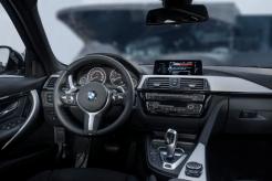 2017-BMW-330e-6