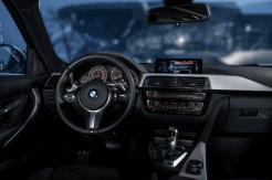 2017-BMW-330e-7