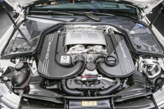 Mercedes_Benz_AMG_C63_S_Cabriolet_2017_5