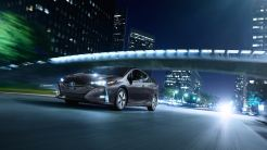 Toyota_Prius_Prime_Advanced_2017