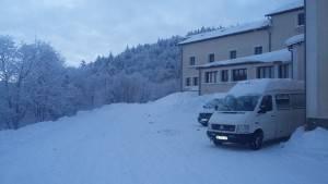 Centre-de-la-Jumenterie-sous-la-neige-EJN02