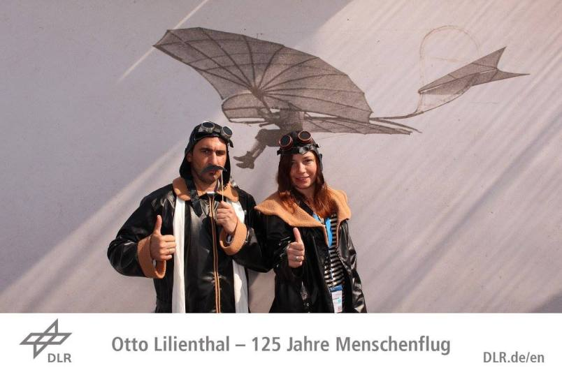 Karin & Alejandro at Otto Lillienthal photo stand