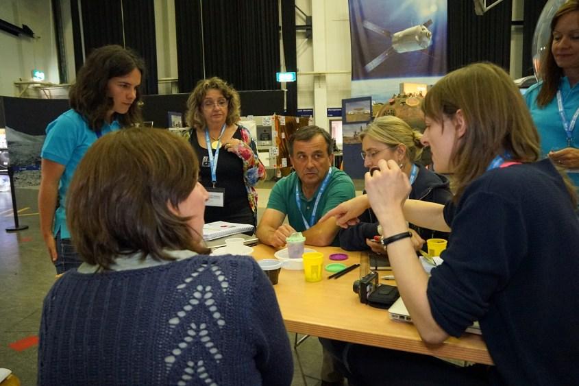 Former science teacher Fatima Pinto (far left) is Science Didactics expert for ESA.