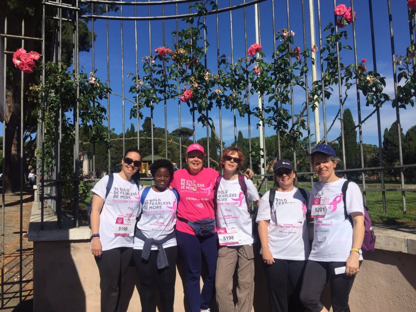 The 'Flying Roses' team of ladies from EJR-Quartz and ESRIN at the Roma Race for the Cure 2017.