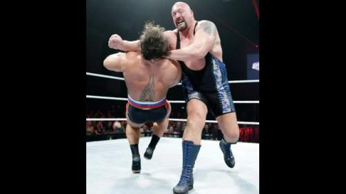 Big Show pounds Rusev
