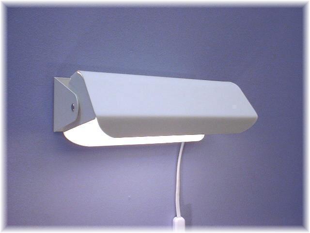 Vägglampa Martin Vit Struktur. Eklunds Metall
