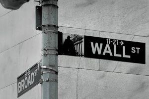 wall_street_sign_photo_Mathew Knott