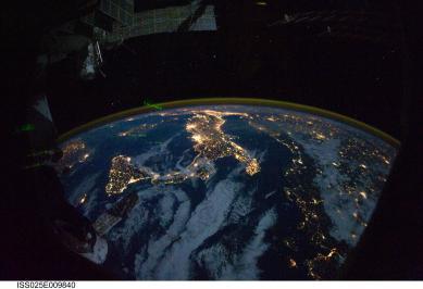 Mediteran noću snimljen sa Međunarodne svemirske stanice.