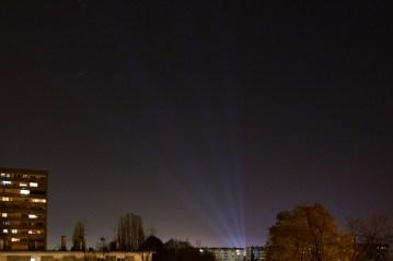 Svjetlosni snopovi sa Supernove Buzin, ugašeni nakon prijave.