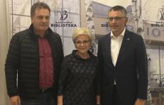 Seimo NSGK pirmininkas Vytautas Bakas (dešinėje) su bendražygiais. Nuotr. facebook.com