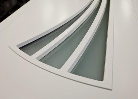 Detalj pardörr i specialmodell med fräcka glasöppningar