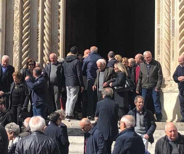 FOTO e VIDEO   Teramo, in tanti hanno preso parte all'ultimo saluto a Mario Brucchi papà dell'ex sindaco Maurizio