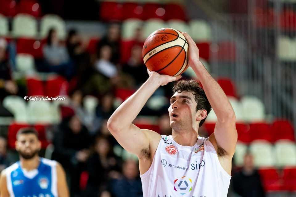 """Basket B, Simone Di Diomede: """"Chiudiamo bene e concentriamoci per i play-out"""""""