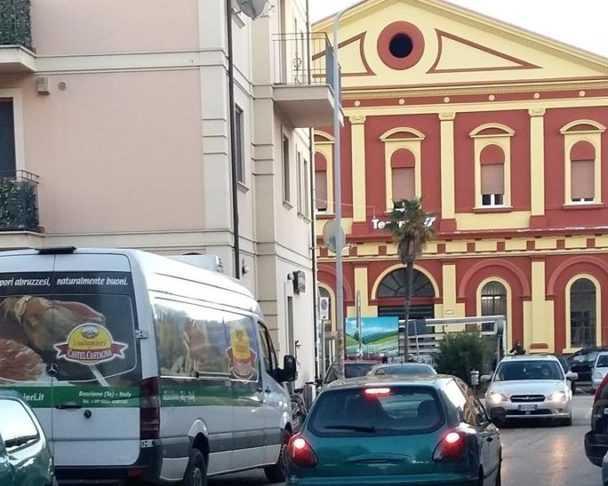 Via Pannella, commercianti e residenti non vogliono il senso unico: congelato e rinviato a dopo Pasqua