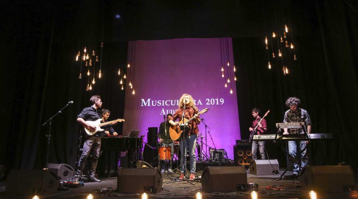 Musicultura, il cantautore teramano Francesco Sbraccia  eletto dai social è tra gli 8 vincitori della XXX edizione