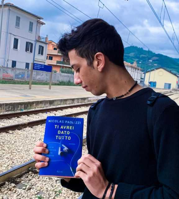 Ti avrei dato tutto: il nuovo romanzo di Nicolas Paolizzi alla Libreria Mondadori