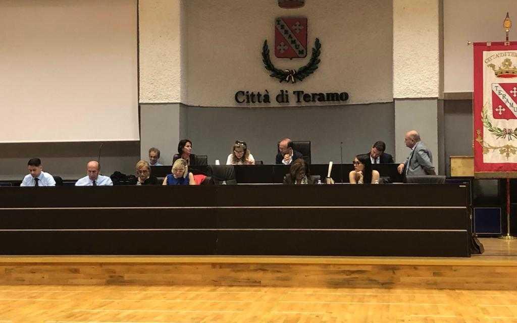 VIDEO | Teramo, passa l'ordine del giorno per Radio Radicale ma Lancione vota contro