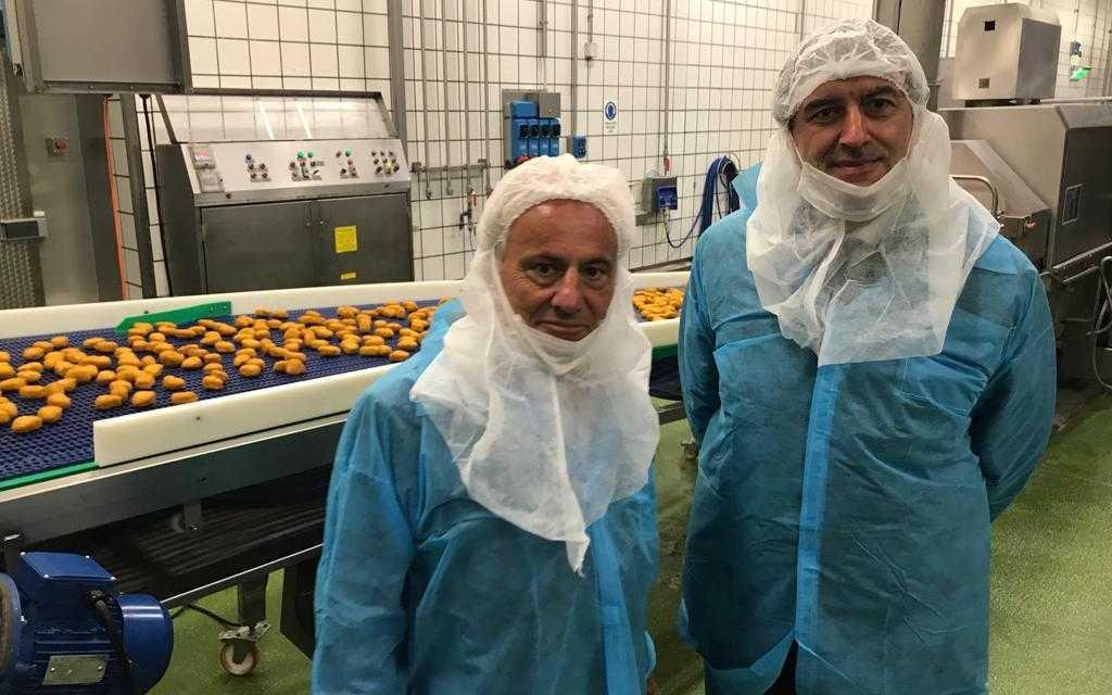 FOTO | Mosciano, il presidente della Regione Marsilio  visita lo stabilimento Amadori