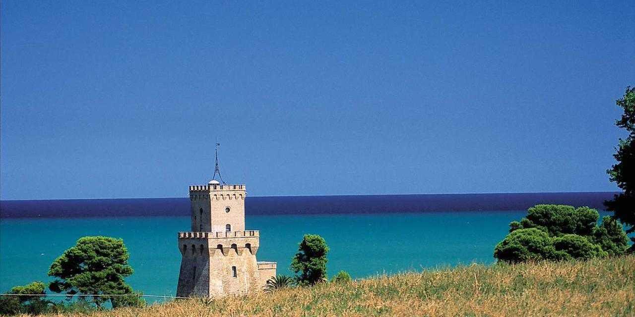 Torre del Cerrano migliore spiaggia D'Abruzzo: 4 vele da Legambiente
