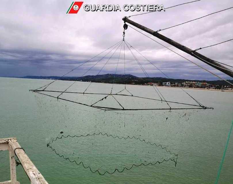 Giulianova, violazioni sulla pesca: mille euro di multa per il titolare di un caliscendi