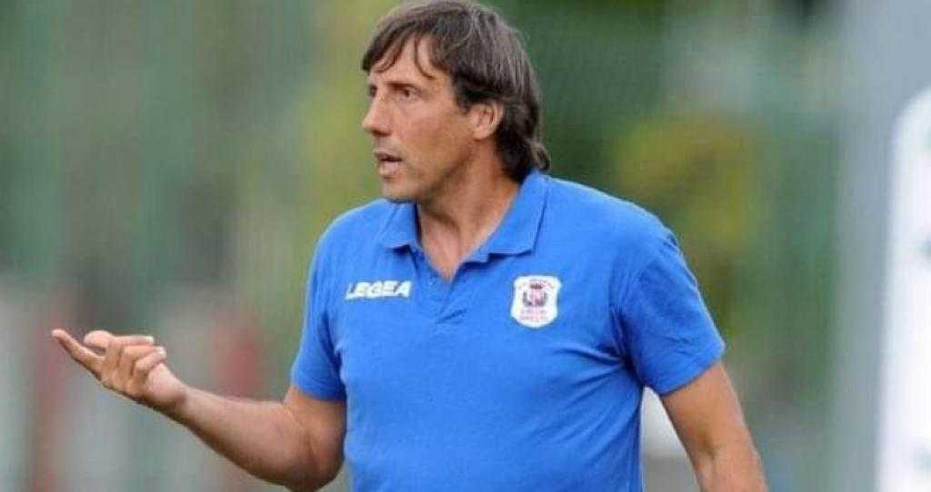 Serie D, il Real Giulianova esonera l'allenatore Carlo Pascucci