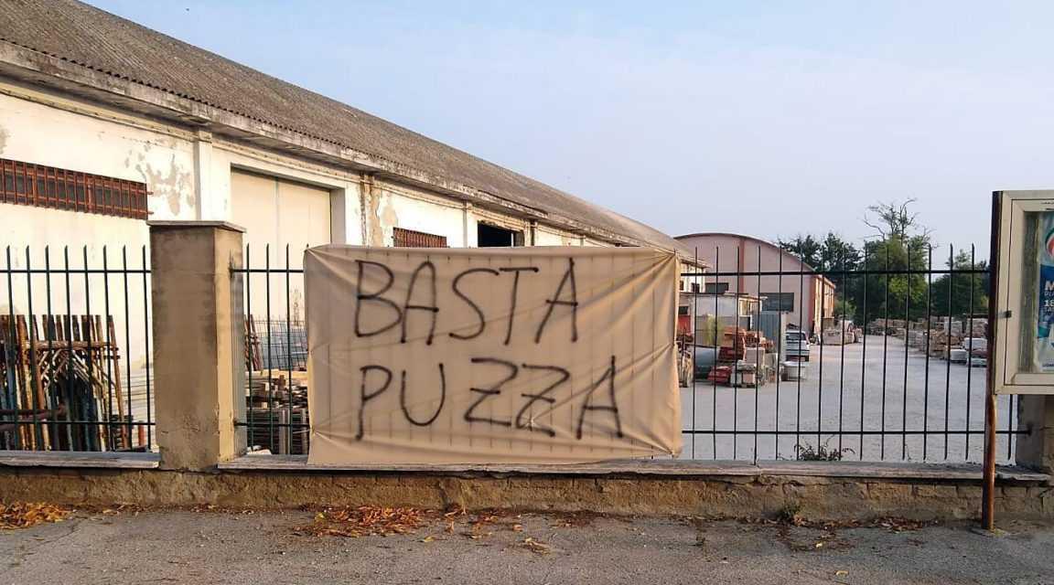 FOTO | Colonnella, puzza nausebonda dalla Stam: ipotizzata class action nell'assemblea cittadina