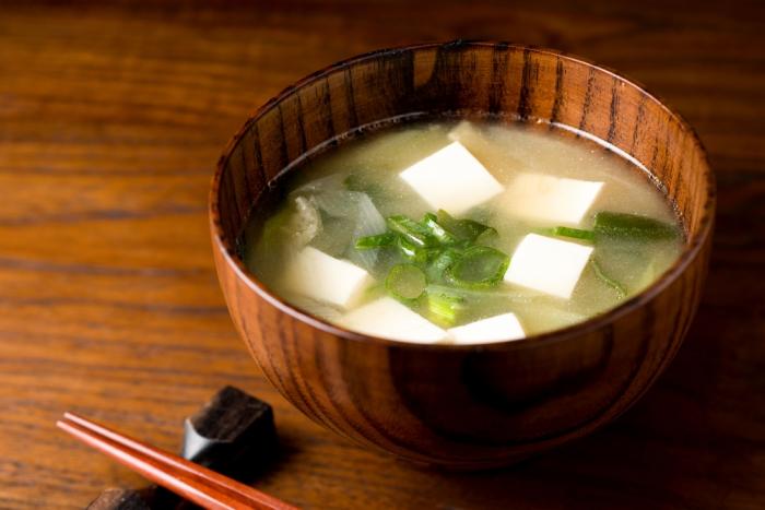 寒いし、鬱っぽくて起きられない⁉︎~味噌汁は冬の朝を心地よく目覚めさせてくれる特効薬!~