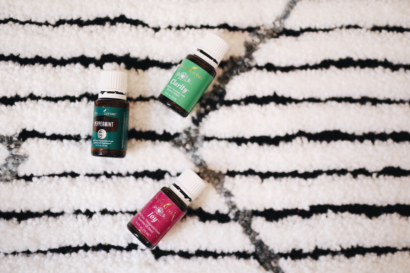 Essential Oils To Help You Focus | 5 Ways To Stay Focused Working From Home | elanaloo.com