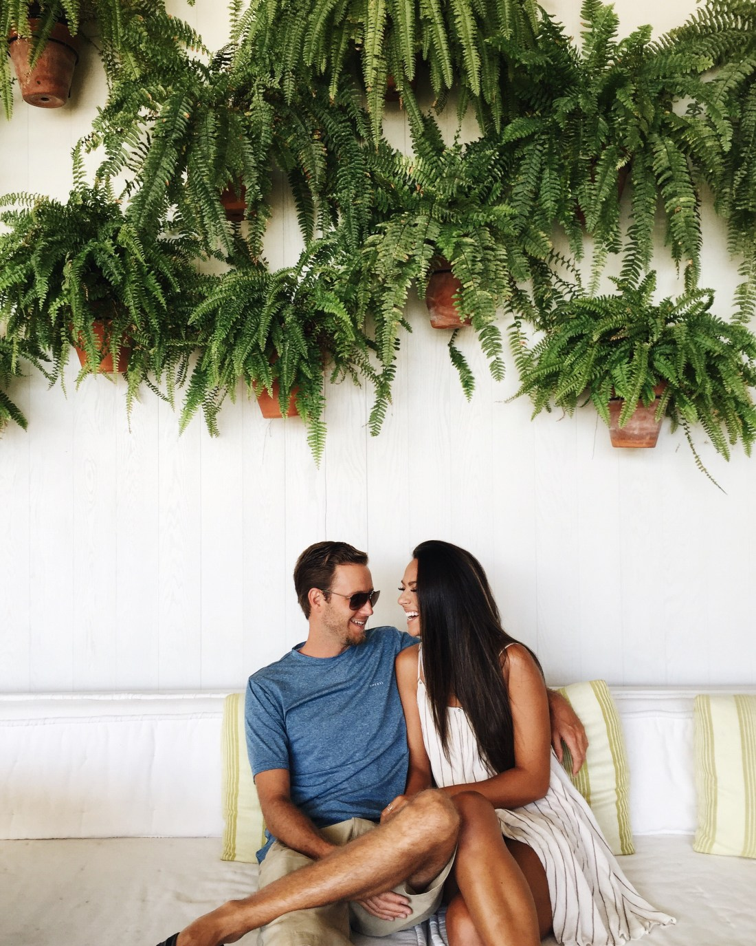 Couple In Love | Travel Bloggers | Happy & In Love | Weekend Goals | The Modern Honolulu | Best Hotels in Hawaii | Drinks at the Pool | Best Places to Stay in Honolulu | Travel Guide to Oahu via @elanaloo + elanaloo.com