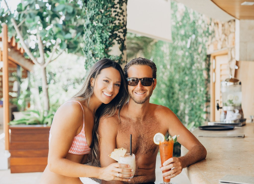 Traveling Couple | Travel Inspiration | Hawaiian Island Hopping | Hotel Wailea | Weekend In Maui | Guide to Spending The Weekend in Maui | Travel Blogger's Maui Recommendations via @elanaloo + elanaloo.com
