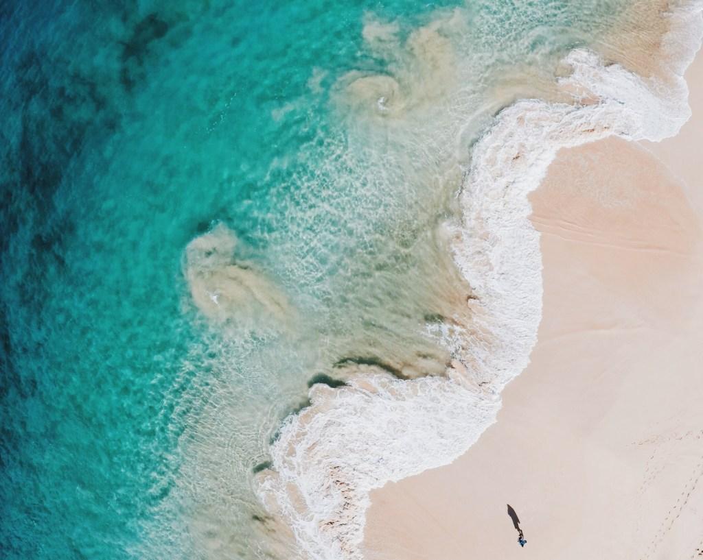 Our Weekend Trip to Maui | Big Beach, Makena Hawaii | Drone Photography by Aaron Haynes (@ahaynesworth on Instagram} via @elanaloo + elanaloo.com