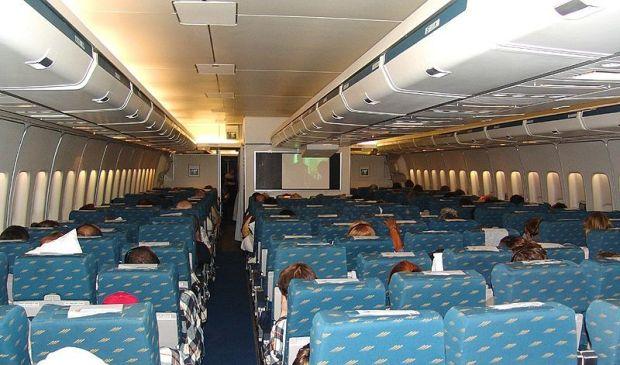 Cabina de Turista del 747 (Dmitry Avdeev)