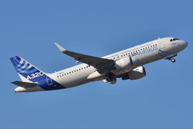 """El F-WWBA promocionando los """"Sharklets"""". Un avión que fue un A320-100 y que Airbus transformó a A320-200 con el tiempo"""