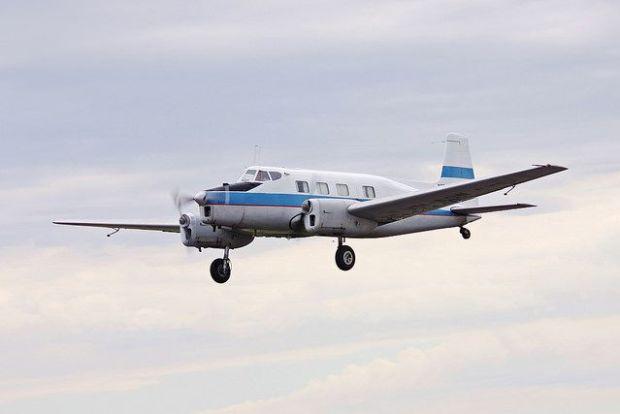 de Havilland DHA-3 volando en un festival aéreo en Australia (joolsgriff CC 4.0)