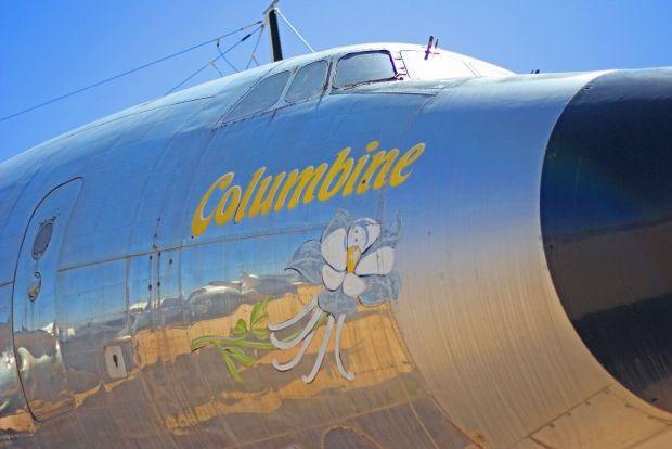Columbine y su dibujo. El nombre de primer Air Force One