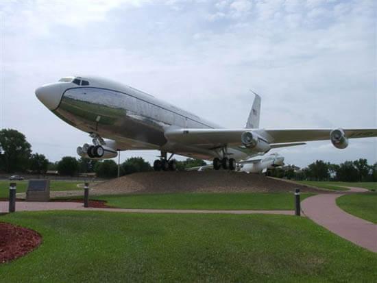 El primer Boeing 717 de la historia, el KC135 City of Renton