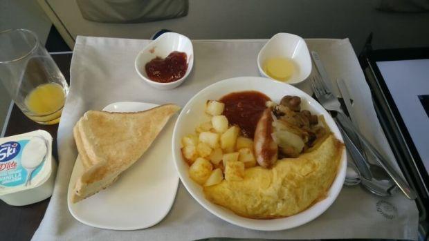 Fiji Airways business class breakfast