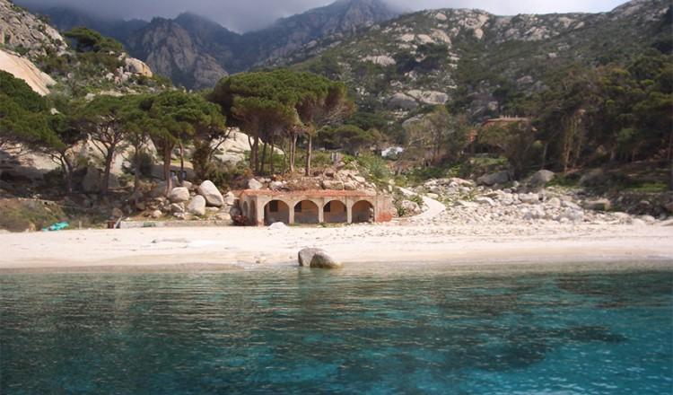 Arcipelago Toscano Isola Di Montecristo