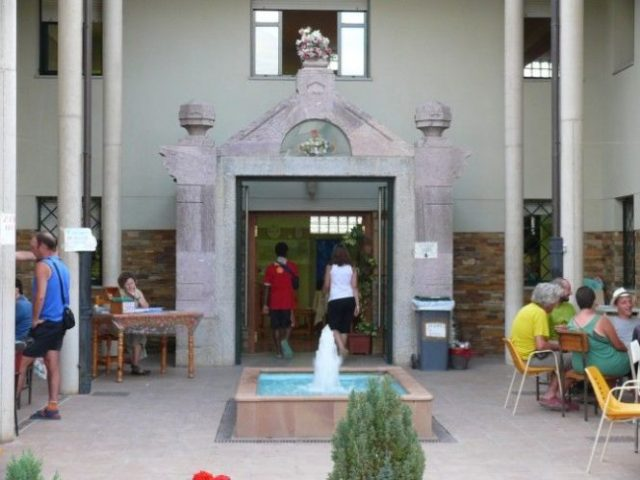 Entrada Albergue Nicolás de Fue en Ponferrada