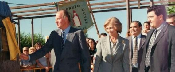 Los Reyes, Martín Villa y el entonces alcalde de Cubillos, José Luis Ramón. / FOTO: AYUNTAMIENTO DE CUBILLOS