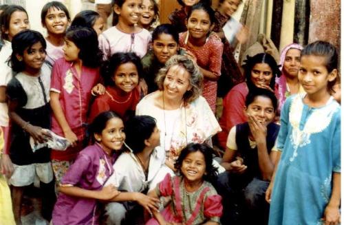 lola india - LOLA FELIU: la enfermedad, la sanación, la comprensión, la India, la solidaridad y la divulgación