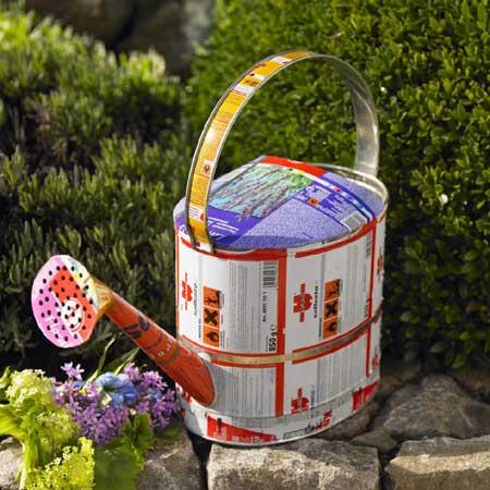 latas recicladas para el jardin