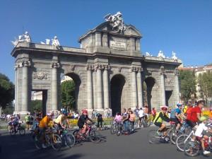diabici200912 300x225 - COP15 Paseos ciclistas por el clima 1/2: Madrid 1 de noviembre del 2009